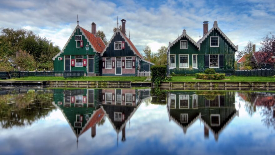 324924-architecture-house-netherlands-water-trees-garden-grass-village-reflection-clouds