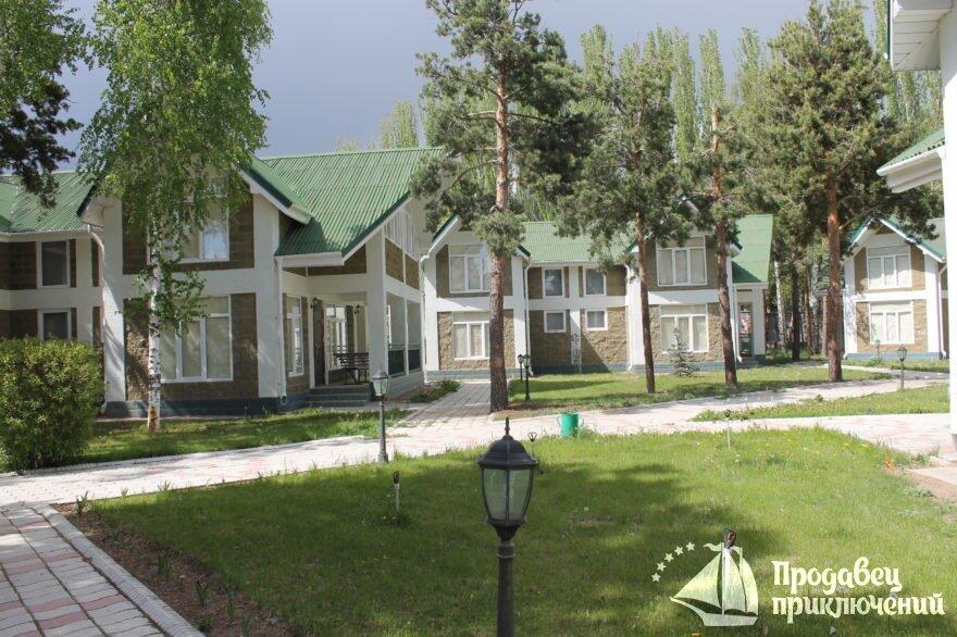 """Отель """"Акун Иссык Куль"""". Стоимость от 2800 сом на человека."""
